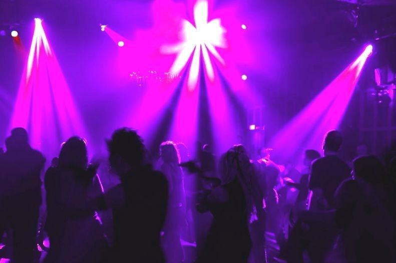 Party club u Banskom Zabava na otvorenom u Banskom | Lucky Bansko SPA & Relax