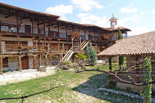 Arhitektura manastira Rozhen | Lucky Bansko