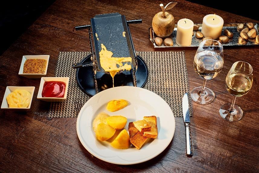 Restoran Fondue jelo slika | Lucky Bansko SPA & Relax