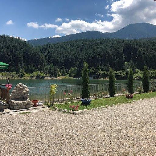 Mesto za odmor u blizini jezera Krinets
