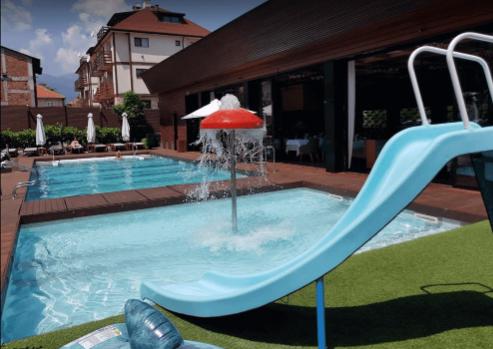 Akva kompleks Lucki Bansko - prava vodena zabava za mlade i starije