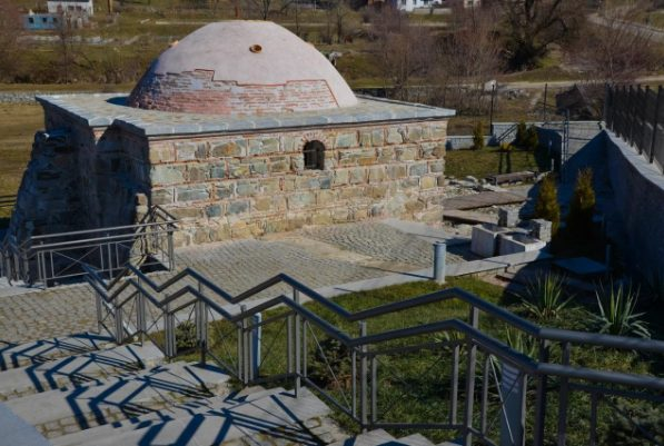 Selo Bania - mineralni raj Bugarske